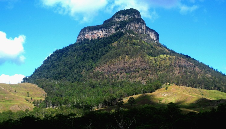 Mt Lindesay from New South Wales side