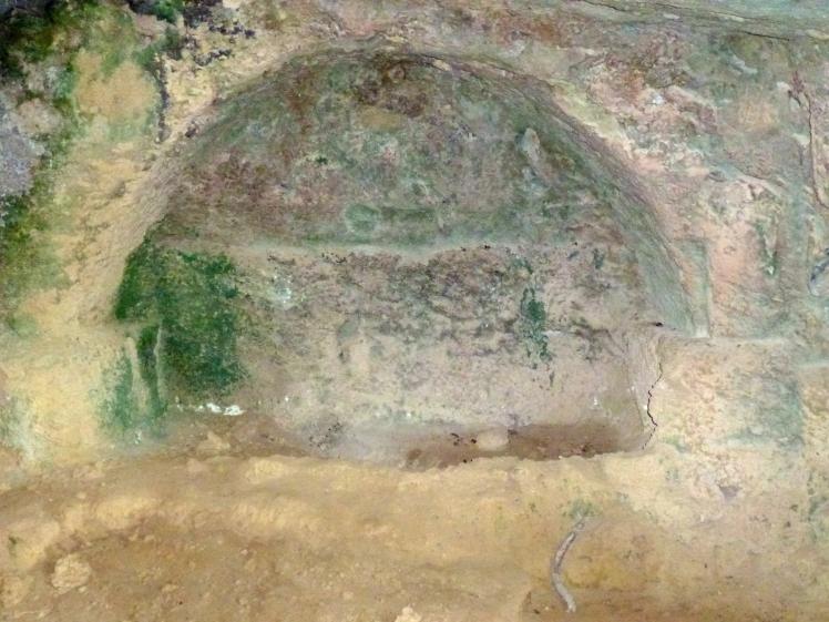 Lambousa - Interior, rock tomb 4