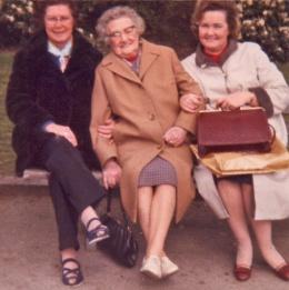 Mum, Nanna Barnes, Auntie Muriel
