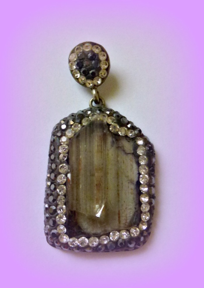 Zultanite pendant 1