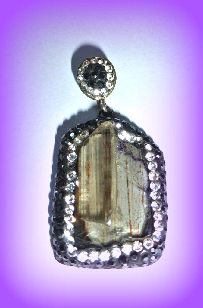 Zultanite pendant