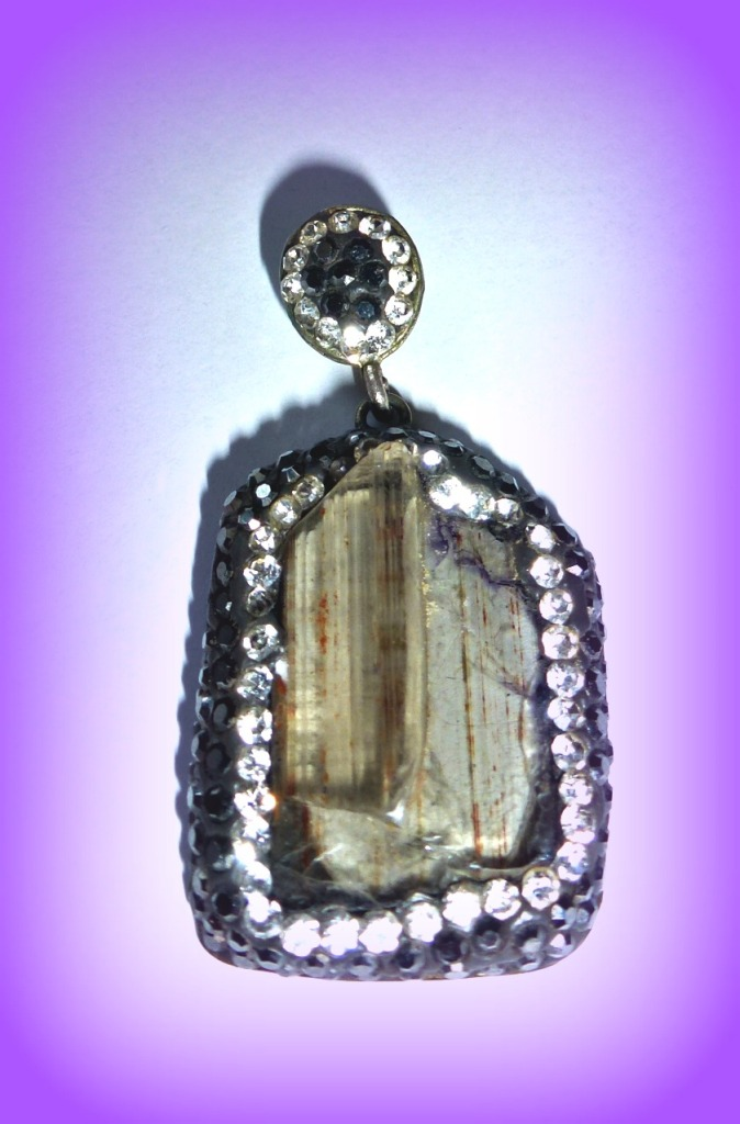 Zultanite pendant